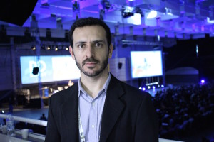 """Eric Santos, da Resultados Digitais: """" muitas empresas ainda insistem em técnicas ultrapassadas e caras para conquistar clientes"""" / FOTO: Marina Noceti"""